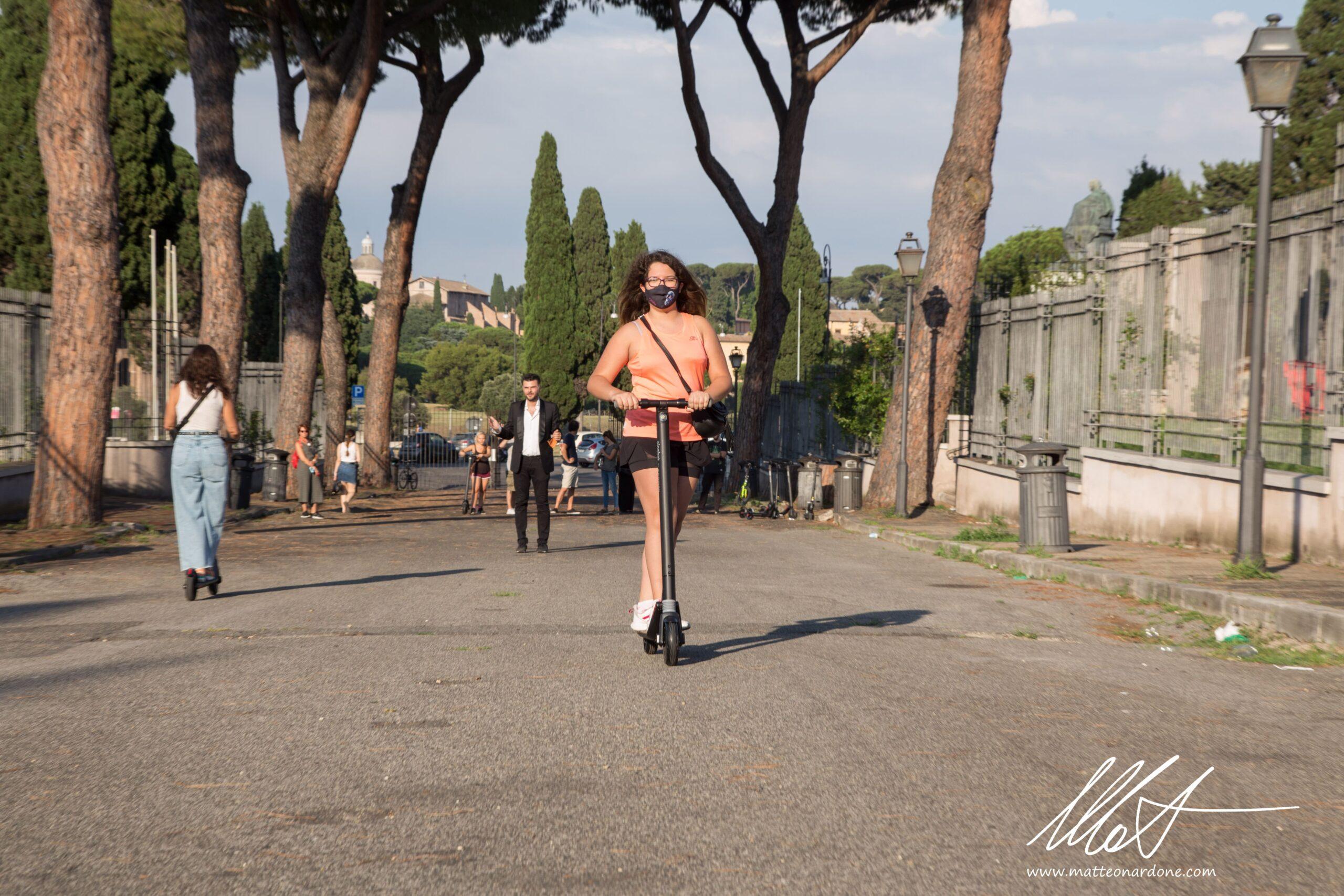 Con Mono Road e Bus T si entra nel vivo dell'estate romana 2020