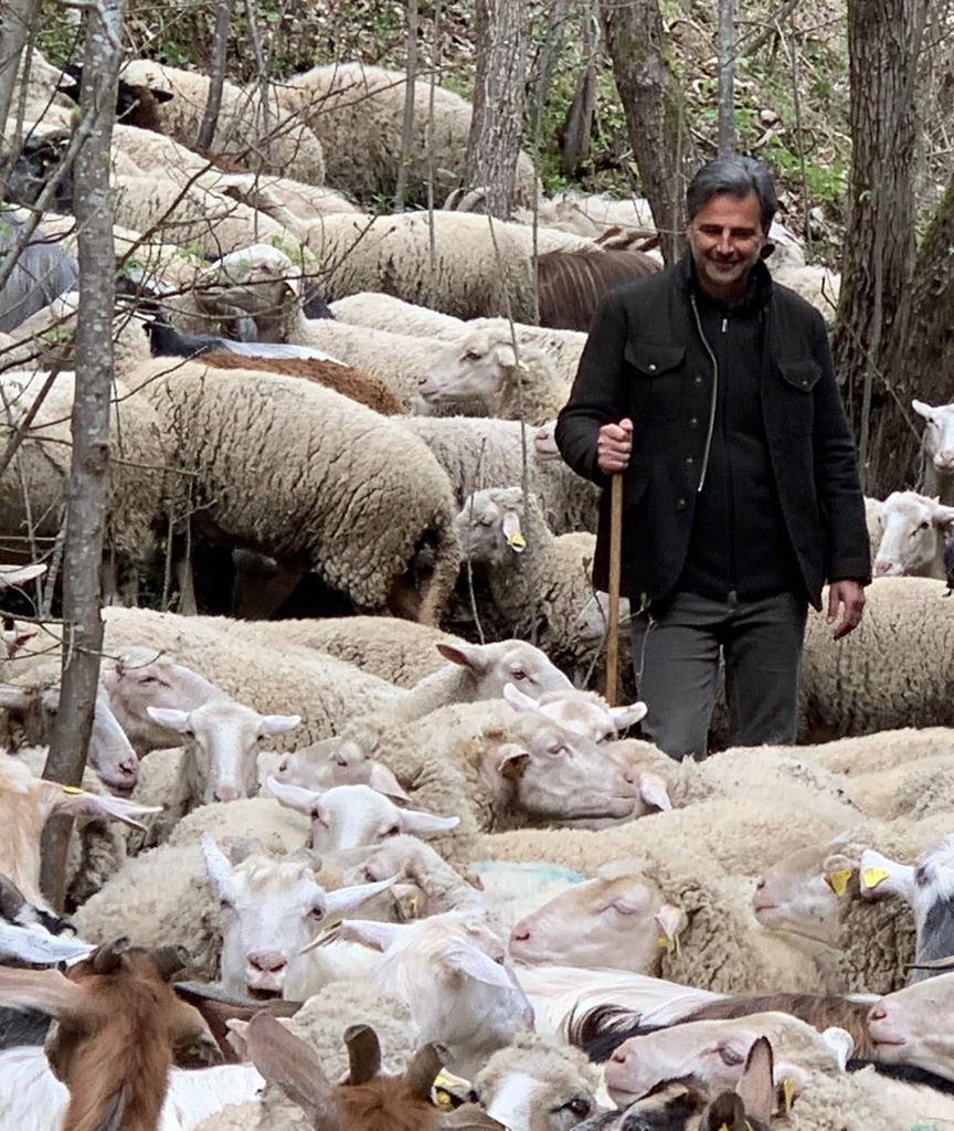 """Rai1, """"Linea Verde"""": Beppe Convertini il 23 maggio ci porta in Abruzzo"""