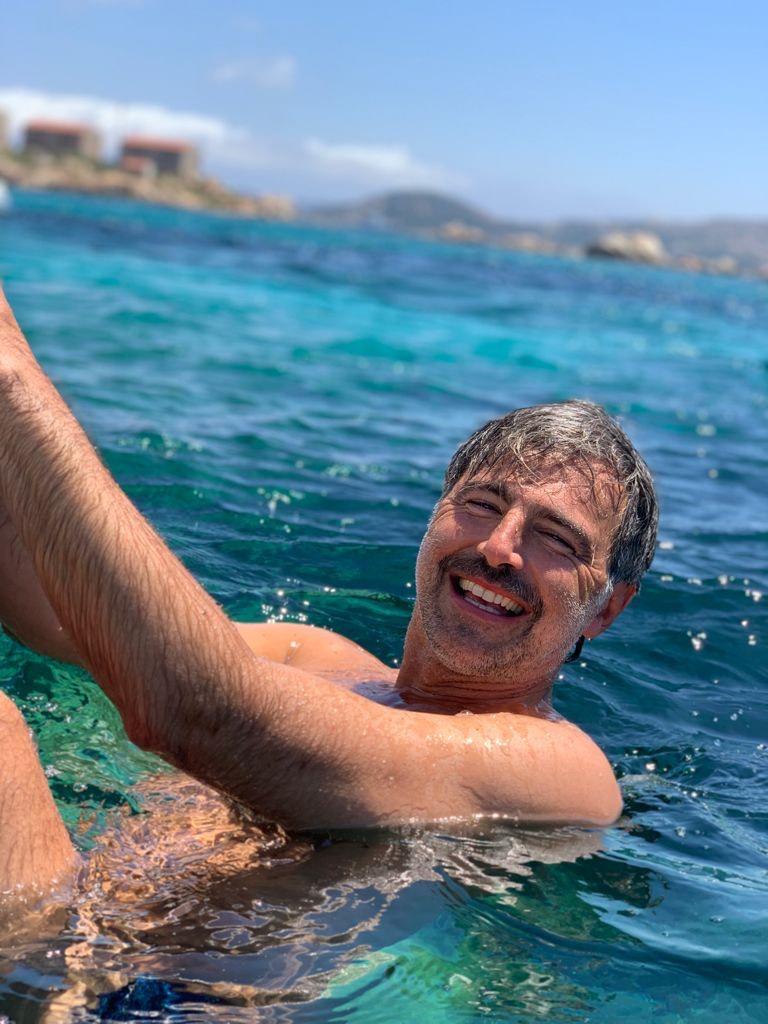 """Rai1, il 15 agosto inizia il viaggio di """"Azzurro. Storie di mare"""" con Beppe Convertini. Prima tappa: Sardegna"""