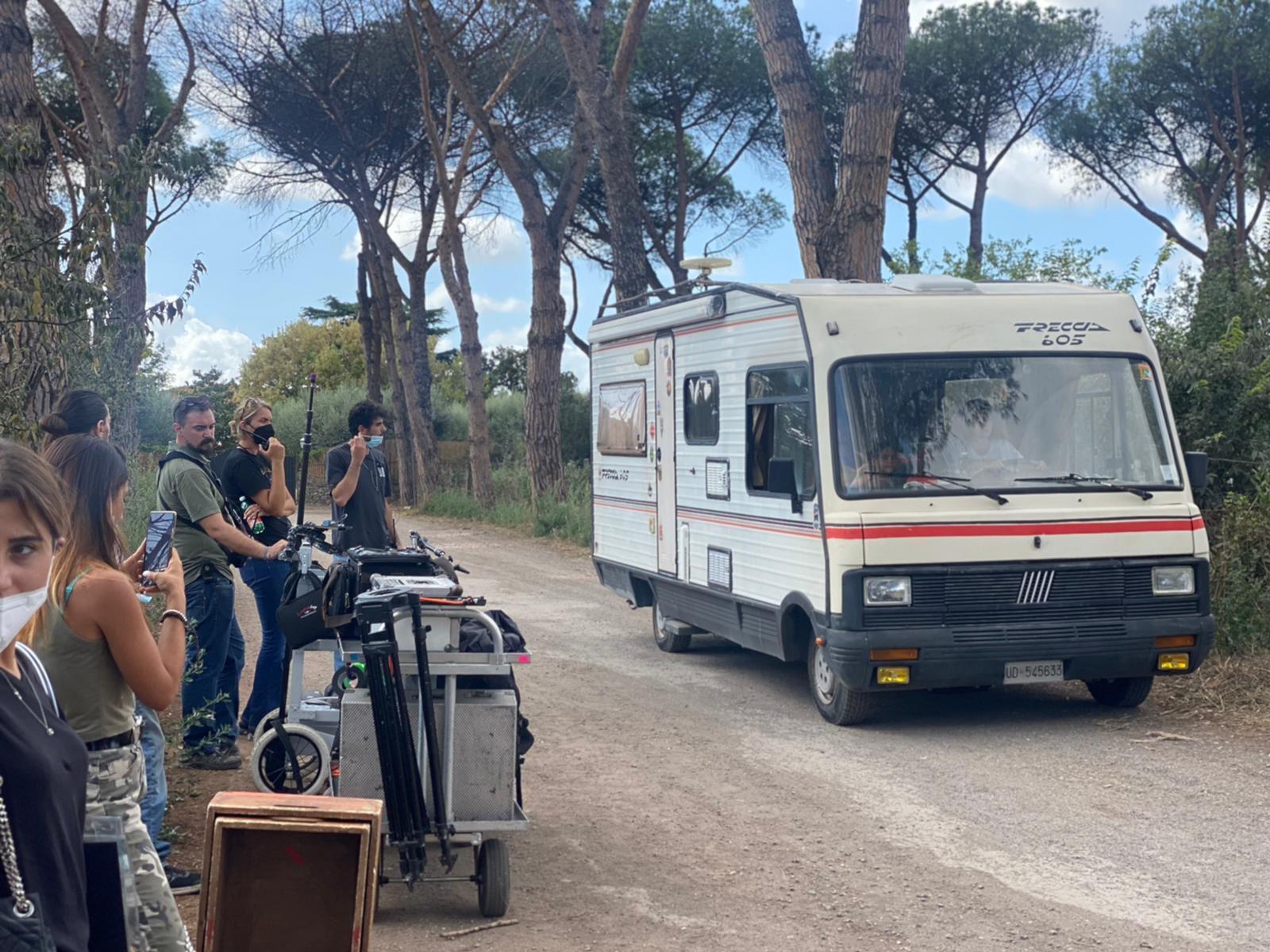 """""""Le ragazze non piangono"""", al via le riprese del road movie diretto da Andrea Zuliani"""